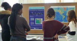 Explaining bathymetry during the ocean drilling workshop.